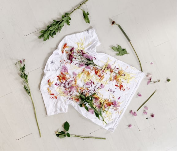 T-shirt et fleurs